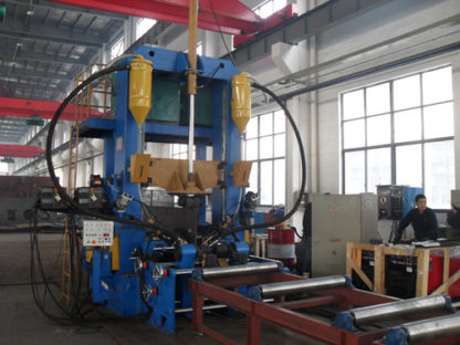 Integrated beam welding machine for h beams