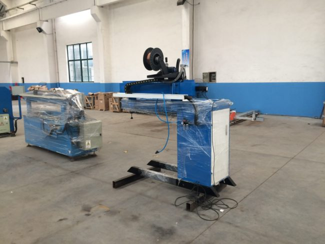 Pressure plate type longitudinal seam welding machine
