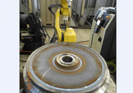 Robot welding equipment for wear-resisting pipe