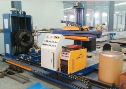 Wear-resisting pipe welding machine